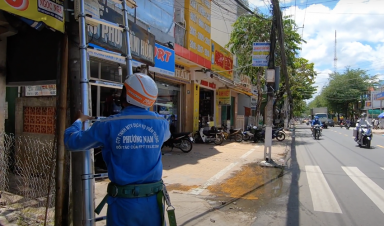 Một Ngày Làm Việc Của Kỹ Thuật FPT tại Đường Lê Thị Hồng Gấm